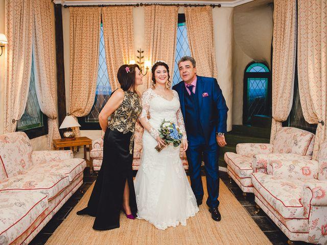 La boda de Manuel y Tamara en El Berrueco, Madrid 34
