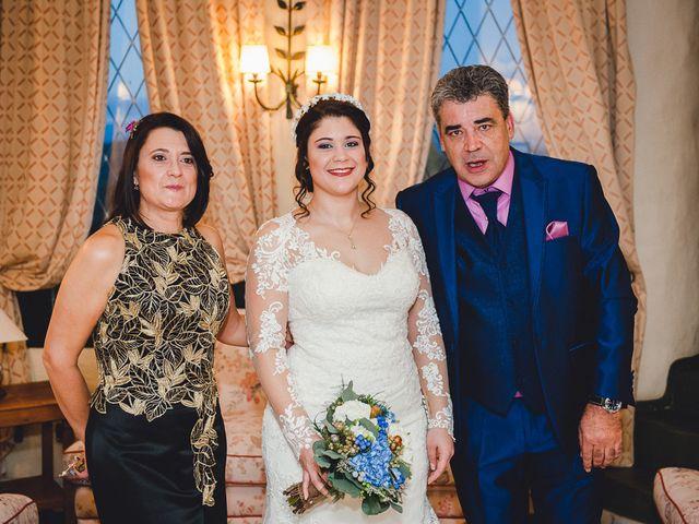 La boda de Manuel y Tamara en El Berrueco, Madrid 35