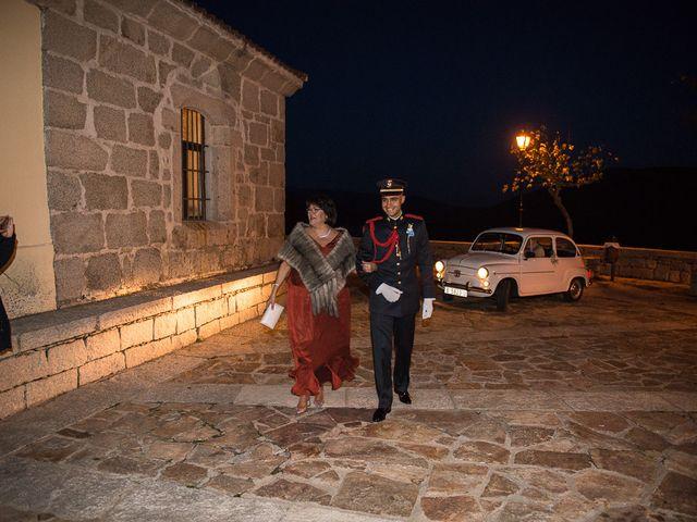 La boda de Manuel y Tamara en El Berrueco, Madrid 38