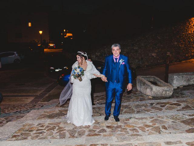 La boda de Manuel y Tamara en El Berrueco, Madrid 41
