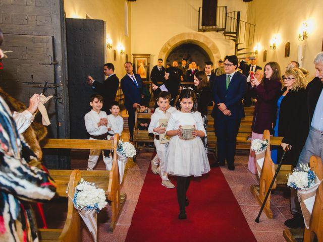 La boda de Manuel y Tamara en El Berrueco, Madrid 42