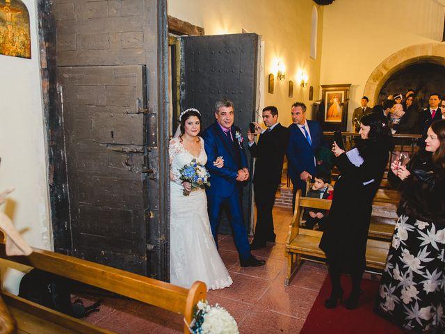 La boda de Manuel y Tamara en El Berrueco, Madrid 43