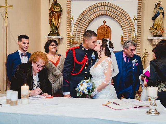 La boda de Manuel y Tamara en El Berrueco, Madrid 84