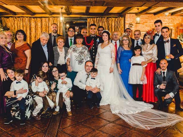 La boda de Manuel y Tamara en El Berrueco, Madrid 121