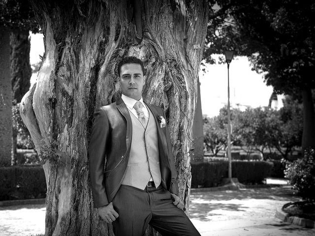La boda de Daniel y Macarena en Chiclana De La Frontera, Cádiz 18