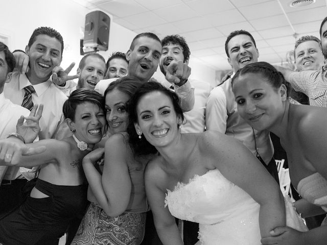 La boda de Daniel y Macarena en Chiclana De La Frontera, Cádiz 26