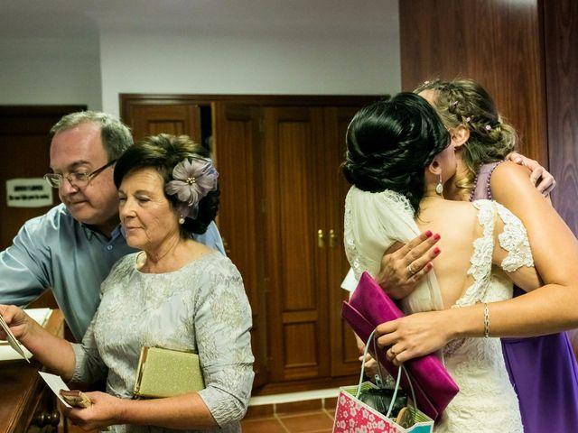 La boda de Fernando y Nieves en Argamasilla De Calatrava, Ciudad Real 26