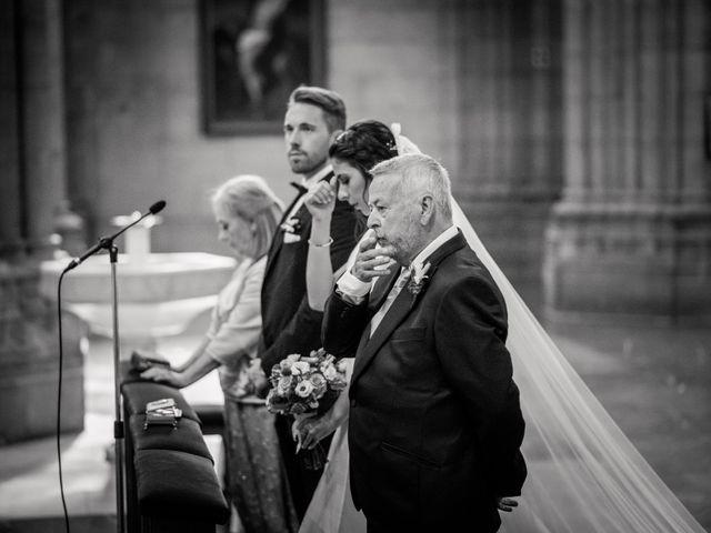 La boda de Mikel y Maria en Donostia-San Sebastián, Guipúzcoa 33