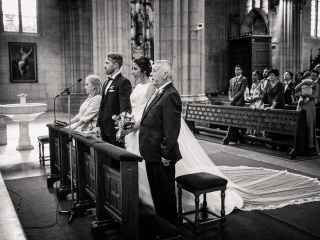 La boda de Mikel y Maria en Donostia-San Sebastián, Guipúzcoa 41