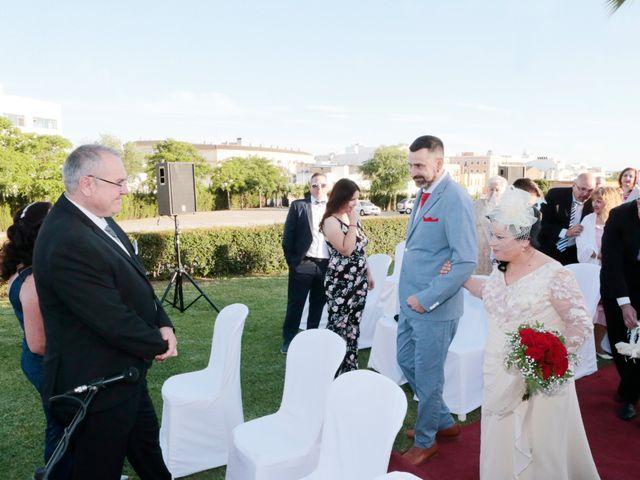 La boda de Carmen y Miguel en Alcala Del Rio, Sevilla 8