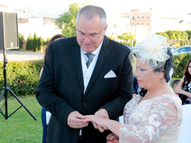 La boda de Carmen y Miguel en Alcala Del Rio, Sevilla 10
