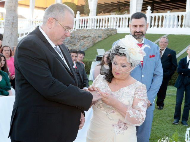 La boda de Carmen y Miguel en Alcala Del Rio, Sevilla 11