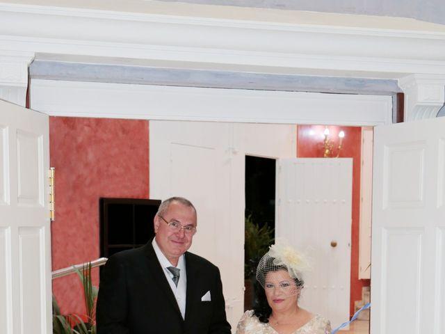 La boda de Carmen y Miguel en Alcala Del Rio, Sevilla 13