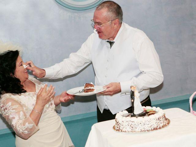 La boda de Carmen y Miguel en Alcala Del Rio, Sevilla 18