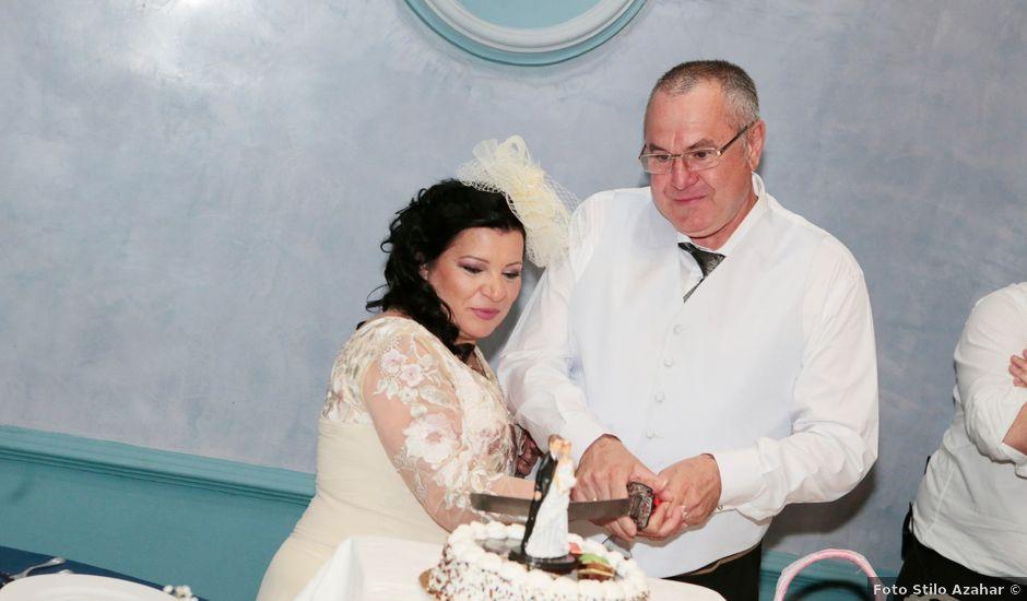 La boda de Carmen y Miguel en Alcala Del Rio, Sevilla