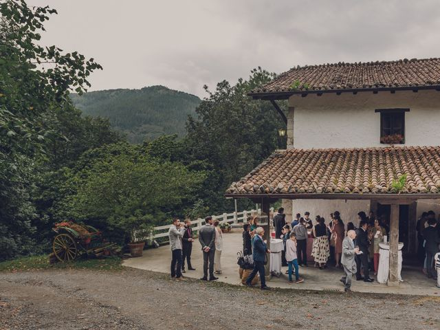 La boda de Aitor y Garazi en Markina-xemein, Vizcaya 92