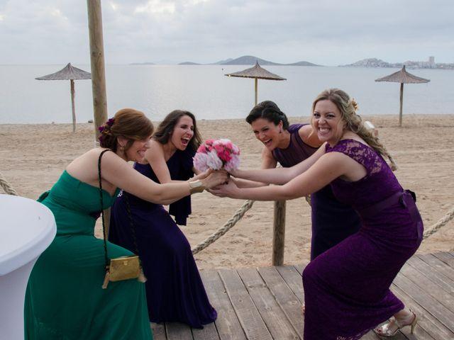 La boda de Juan y Carmen en La Manga Del Mar Menor, Murcia 16