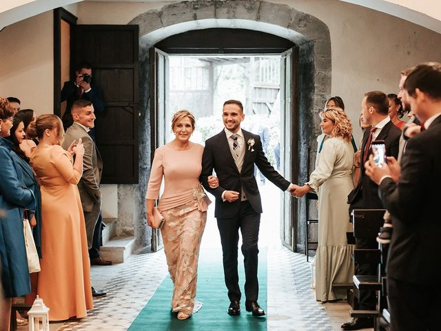 La boda de Pedro y María en Salas, Asturias 29