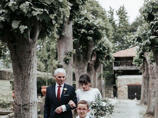 La boda de Pedro y María en Salas, Asturias 30