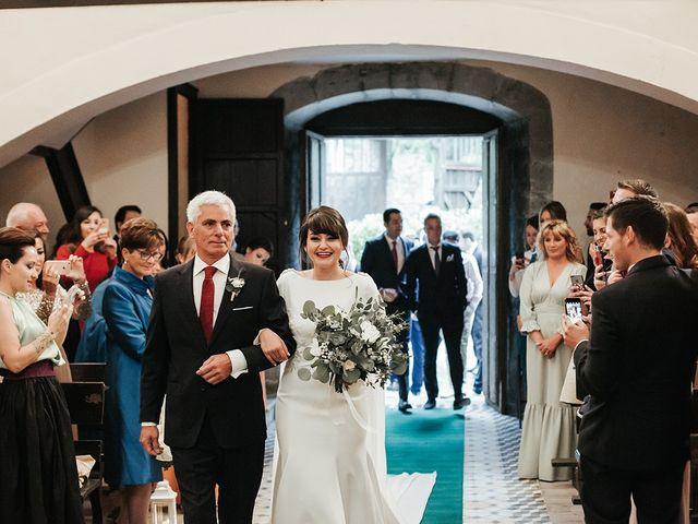 La boda de Pedro y María en Salas, Asturias 32