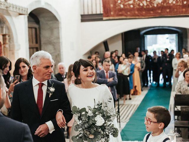 La boda de Pedro y María en Salas, Asturias 33