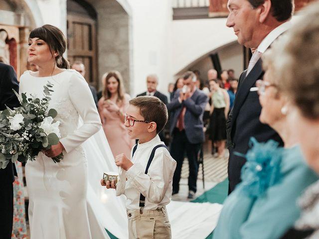 La boda de Pedro y María en Salas, Asturias 35