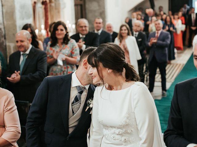 La boda de Pedro y María en Salas, Asturias 43