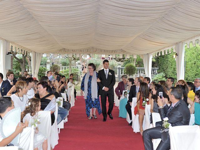 La boda de Laura y Gabi en Santpedor, Barcelona 12
