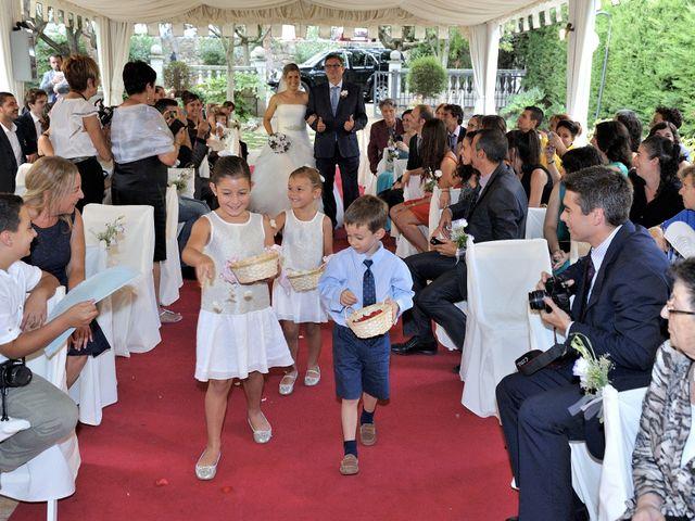 La boda de Laura y Gabi en Santpedor, Barcelona 13