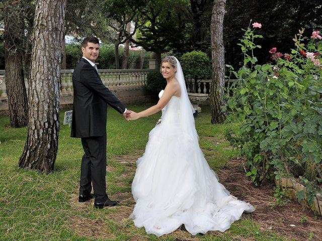 La boda de Laura y Gabi en Santpedor, Barcelona 17