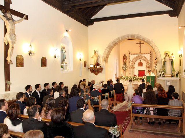 La boda de Laura y Daniel en Mangiron, Madrid 35