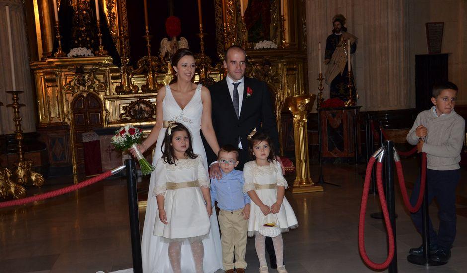 La boda de Miguel Angel y Lourdes en Sevilla, Sevilla