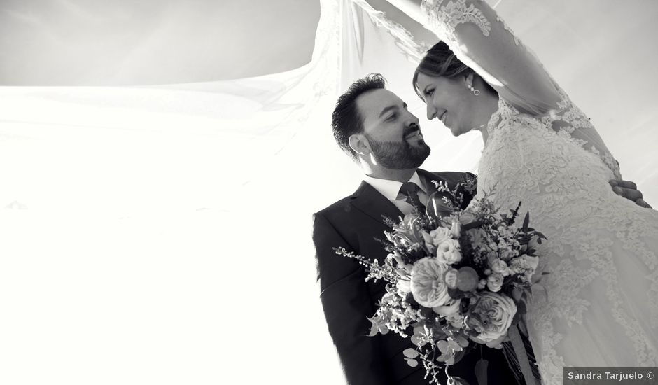 La boda de Laura y Daniel en Madrid, Madrid