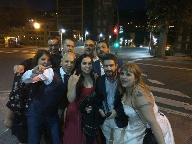 La boda de Asier  y Amanda  en Bilbao, Vizcaya 33
