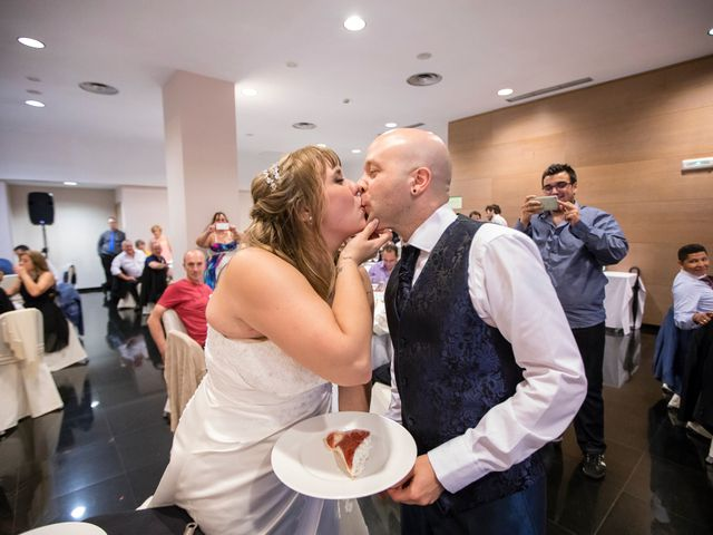 La boda de Asier  y Amanda  en Bilbao, Vizcaya 24