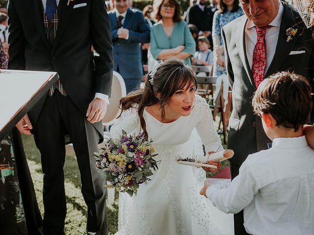 La boda de Hugo y Paula en Quintueles, Asturias 28