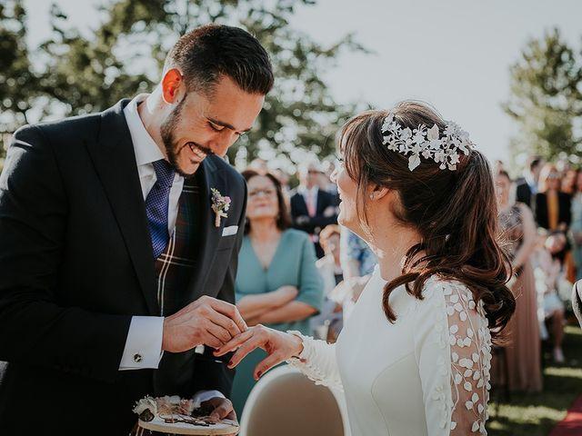 La boda de Hugo y Paula en Quintueles, Asturias 29