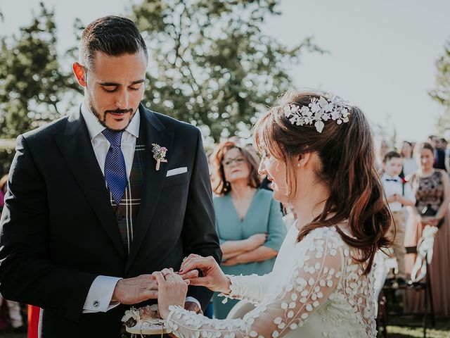 La boda de Hugo y Paula en Quintueles, Asturias 30