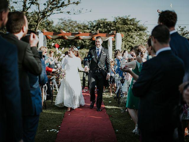 La boda de Hugo y Paula en Quintueles, Asturias 36