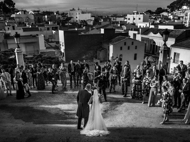 La boda de Santi y Laura en El Puig, Valencia 35