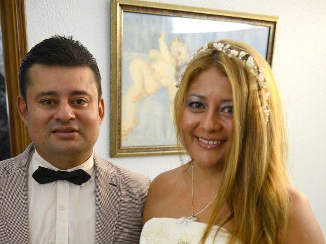 La boda de Iván  y Stella  en Camos, Girona 13