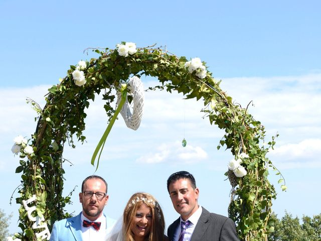 La boda de Iván  y Stella  en Camos, Girona 19