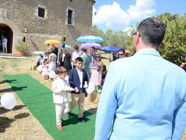 La boda de Iván  y Stella  en Camos, Girona 22