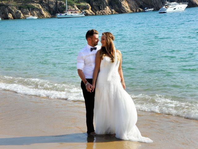 La boda de Rubén   y Sarah  en Castell-platja D'aro, Girona 40