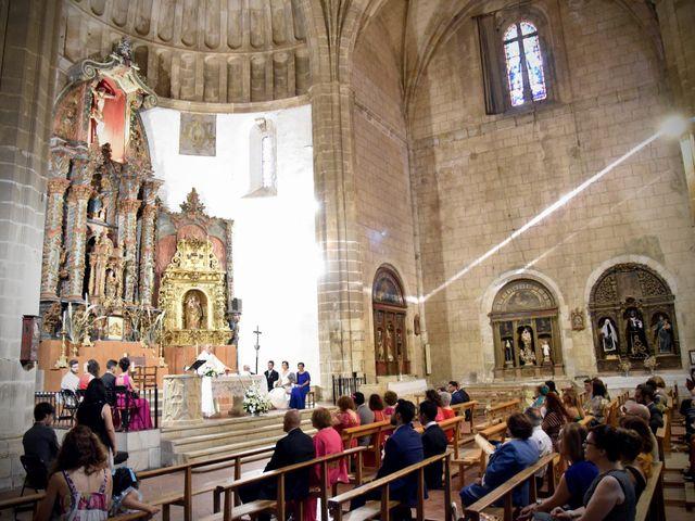 La boda de David y Elizabeth en Logrosan, Cáceres 7