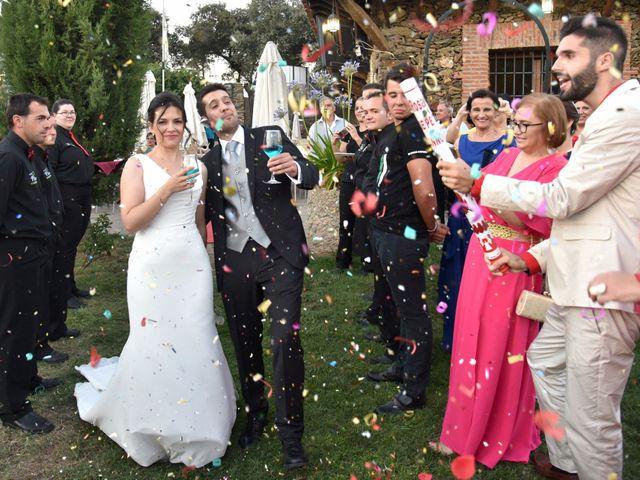 La boda de David y Elizabeth en Logrosan, Cáceres 24