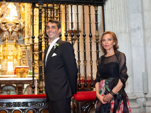 La boda de Gianlluca y Irene en Oviedo, Asturias 11