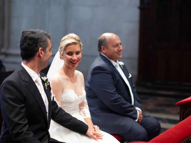 La boda de Gianlluca y Irene en Oviedo, Asturias 12