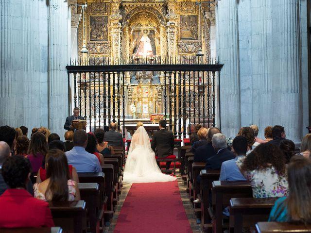 La boda de Gianlluca y Irene en Oviedo, Asturias 14