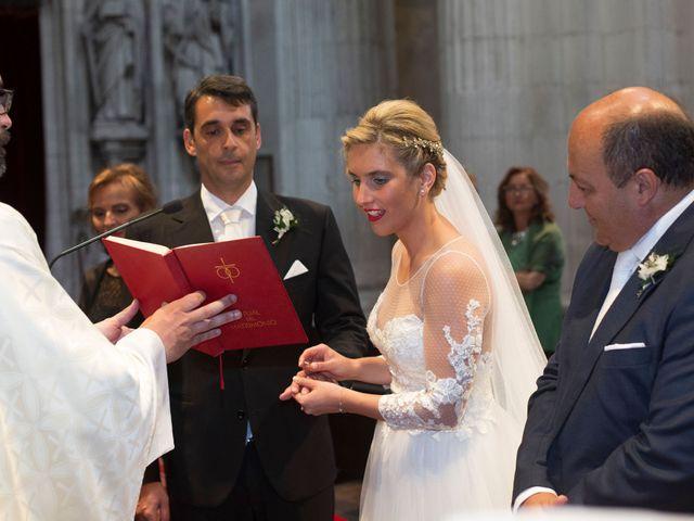 La boda de Gianlluca y Irene en Oviedo, Asturias 17